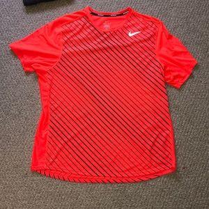 NWOT Nike dryfit tee XL
